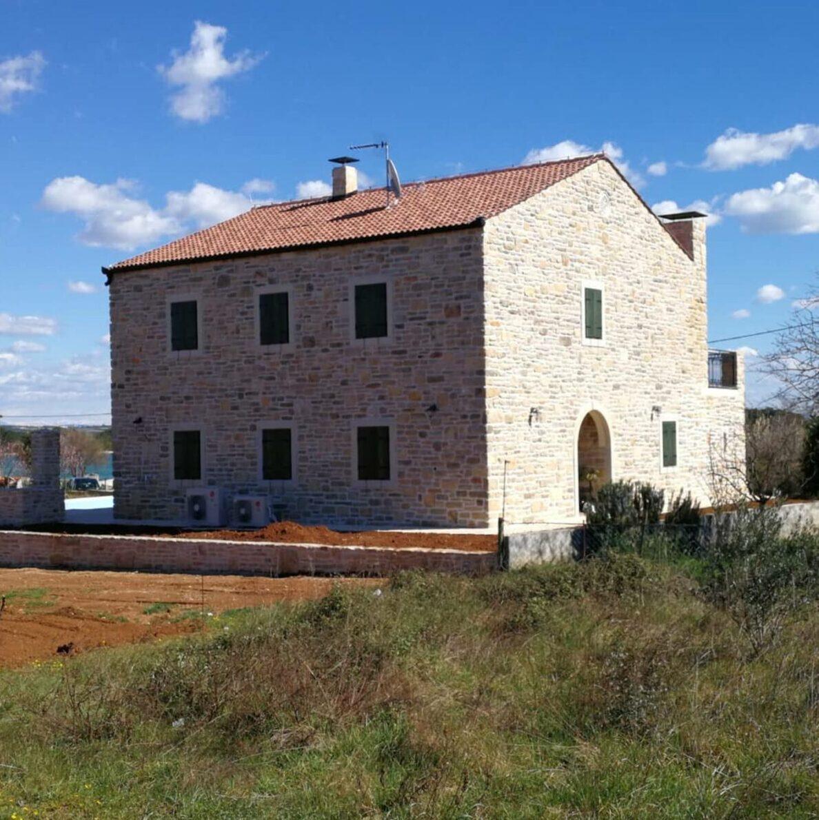 arhitektura knez kamena kuća uz more