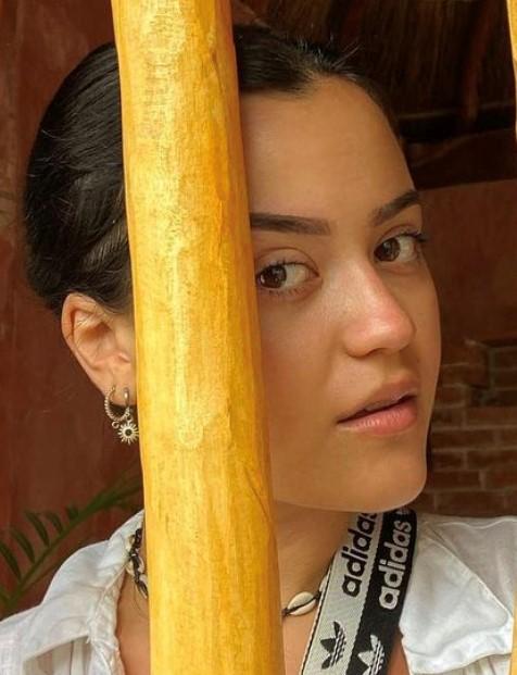 Antonia Dora – pjevačica i influencerica, normalna do mješovita koža