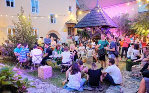 Zagreb: 6. manifestacija Dvorista na Gornjem Gradu